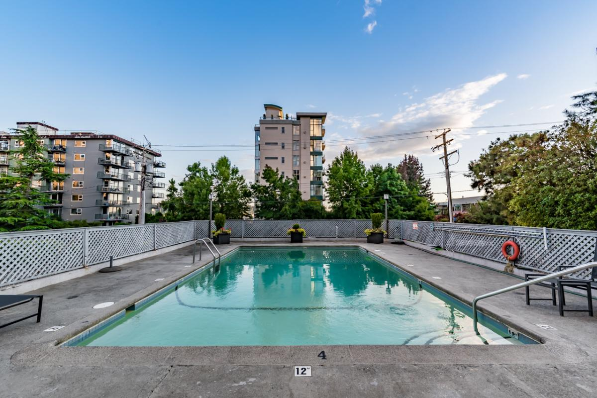 1004 650 16TH STREET, WEST VANCOUVER   Cheng & Parham Realty Group